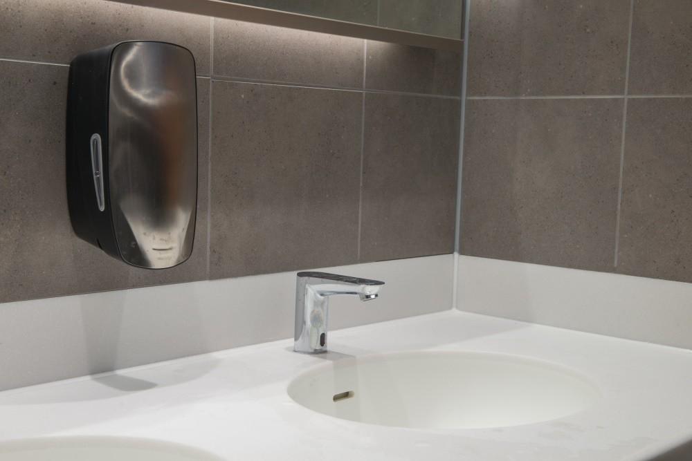 Commercial soap dispenser service